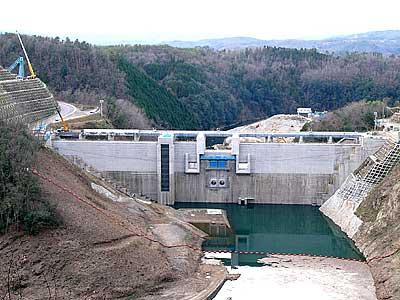 灰塚ダム建設工事